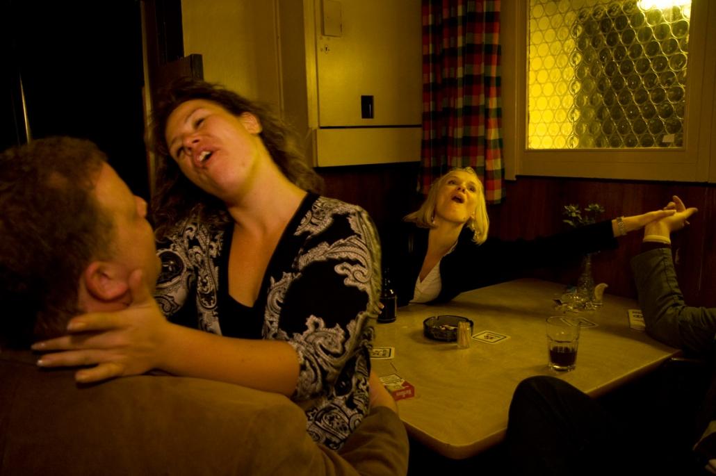 Nächtlicher Gesang in der Bar Silbersack in Hamburg